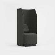 Fields, 1-sits, hög rygg, svart sockel, Remix 3994 mörkgrå